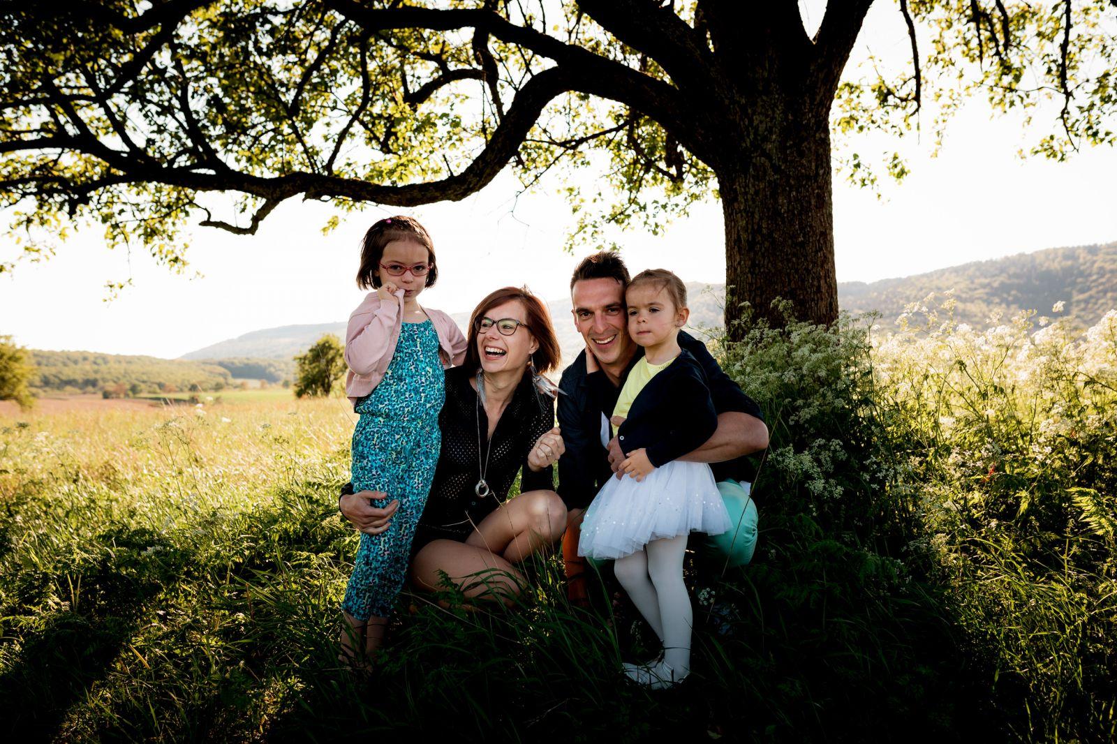 séance photos en famille enfant campagne été wissembourg