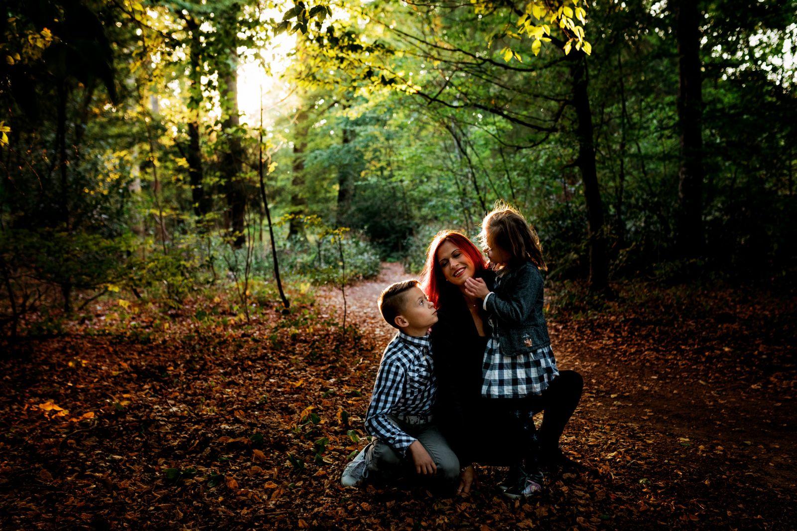 séance photos en famille enfant forêt automne haguenau